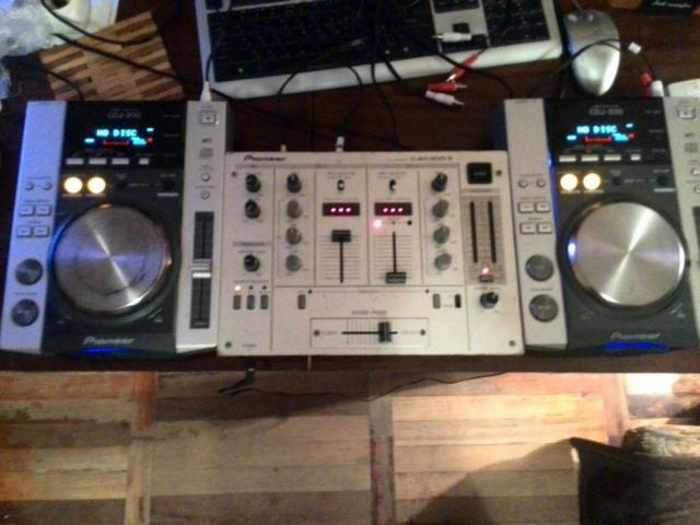 Pioneer CDJ200 продам в Берлине