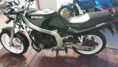 Мотоцикл спортивный универсал Suzuki gs500e