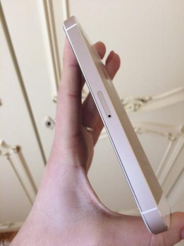 iPhone 5s gold 16 gb без единой царапины
