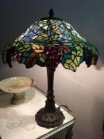Лампа старинная настольная продаётся в Берлине