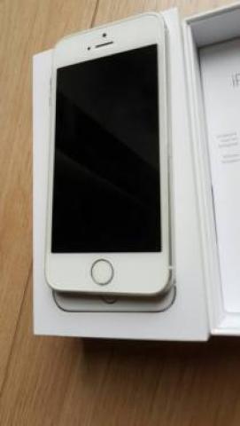 Продам iPhone 5S с 16 ГБ за 150 евро.