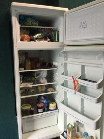 Отдам даром в Берлине холодильник