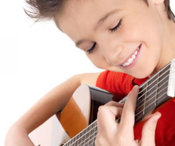 Уроки игры на гитаре в Берлине (Для всех)