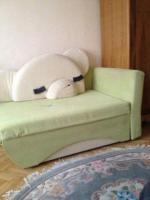 Срочно отдам в Берлине детский диван