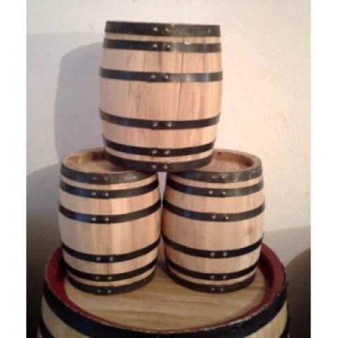 Дубовые бочки для вина, коньяка, виски, бренди